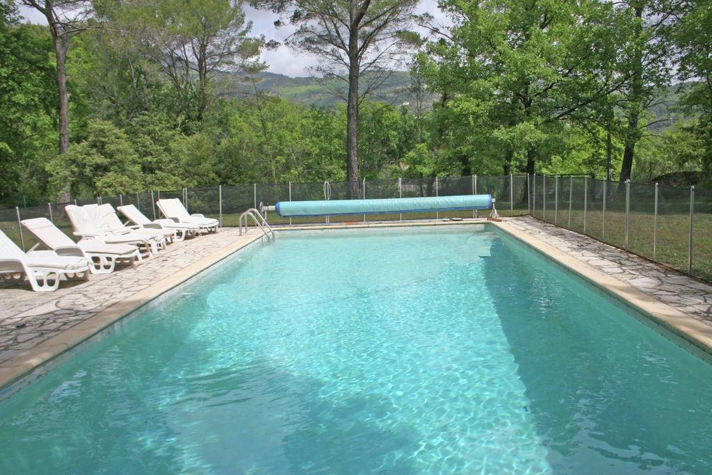 Kindvriendelijke villa met beveiligd privé zwembad en prachtige natuurtuin, 1,5 km van Seillans - Boerderijvakanties.nl