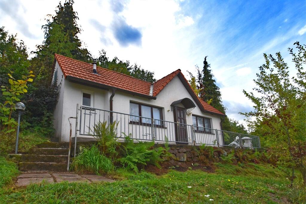 Vakantiewoning met eigen terras en gebruik van de tuin in Bad Tabarz - Boerderijvakanties.nl
