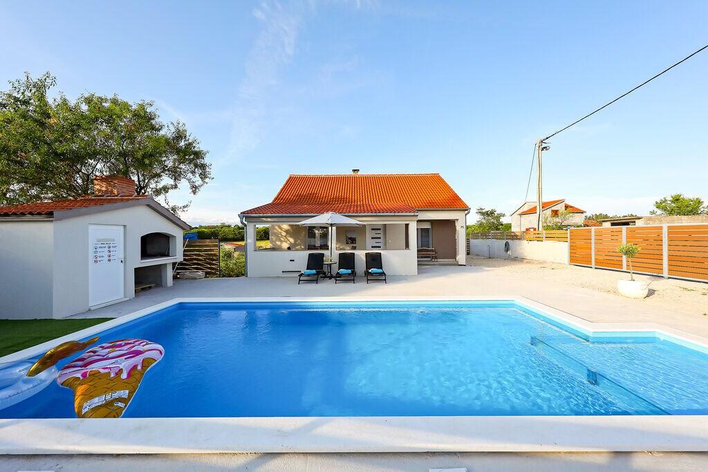 Knus vakantiehuis met privézwembad, charmant overdekt terras, BBQ - Boerderijvakanties.nl