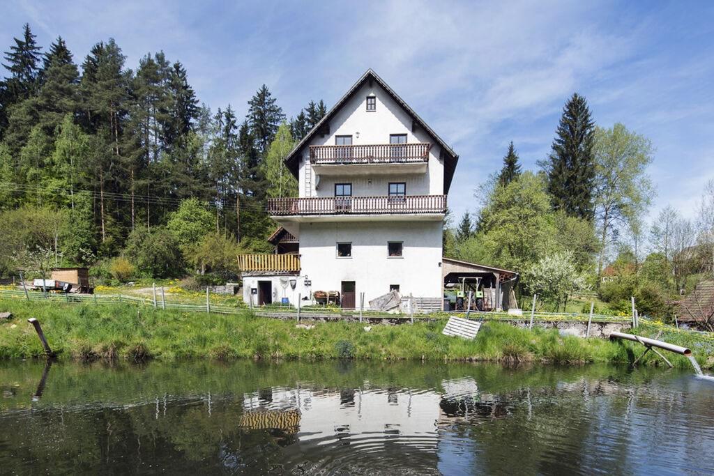 Licht appartement in de Oberpfalz met groot balkon - Boerderijvakanties.nl