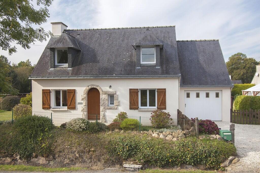 Klassiek vakantiehuis in Riec-sur-Bélon met privétuin - Boerderijvakanties.nl