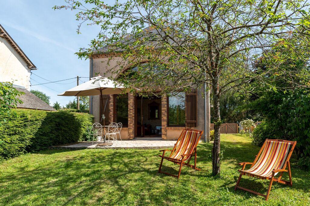 Mooie vakantiewoning in Morogues met een fijne tuin - Boerderijvakanties.nl