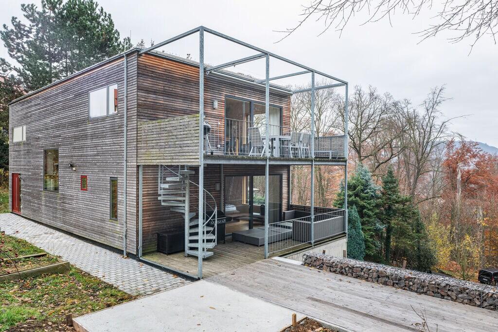 Grote vakantiewoning met tuin, terras, haard en eigen sauna in de buurt van Dresden - Boerderijvakanties.nl