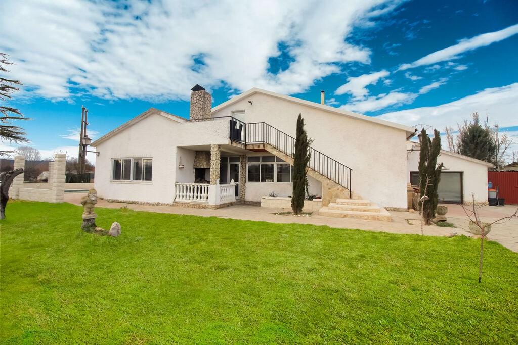 Aangenaam vakantiehuis in Villamuriel de Cerrato met tuin - Boerderijvakanties.nl