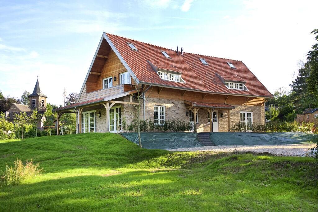 Modern appartement in Slenaken met tuin - Boerderijvakanties.nl