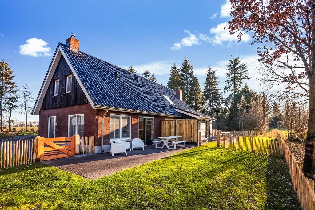 Stijlvol vakantiehuis in Rijssen met terras - Boerderijvakanties.nl