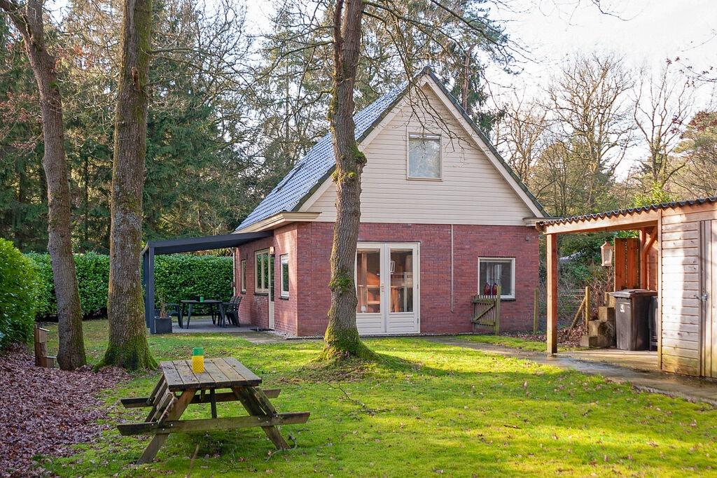 Aantrekkelijk vakantiehuis in Norg in het bos - Boerderijvakanties.nl