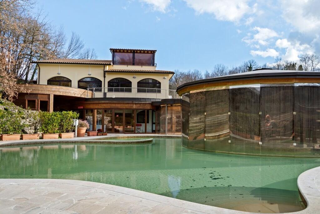 Rustiek appartement in Sorano met zwembad - Boerderijvakanties.nl