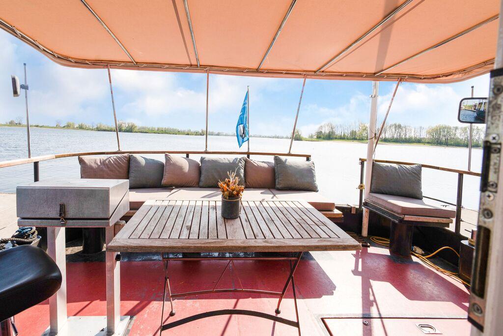 Prachtige villa in Kerkdriel in recreatiegebied de Zandmeren - Boerderijvakanties.nl