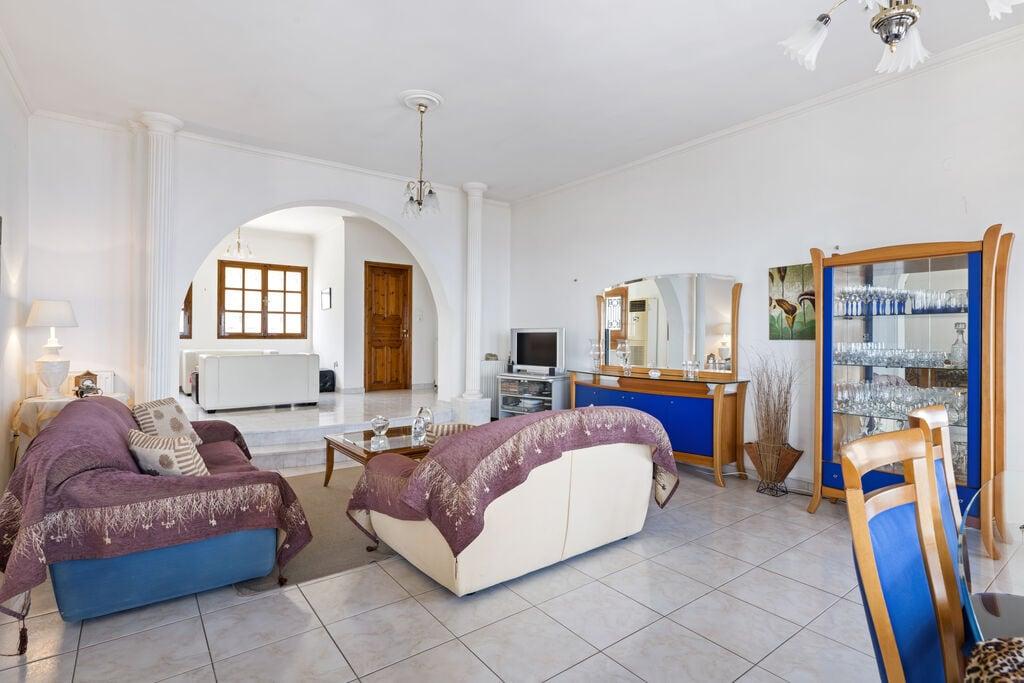Villa In Aeigera