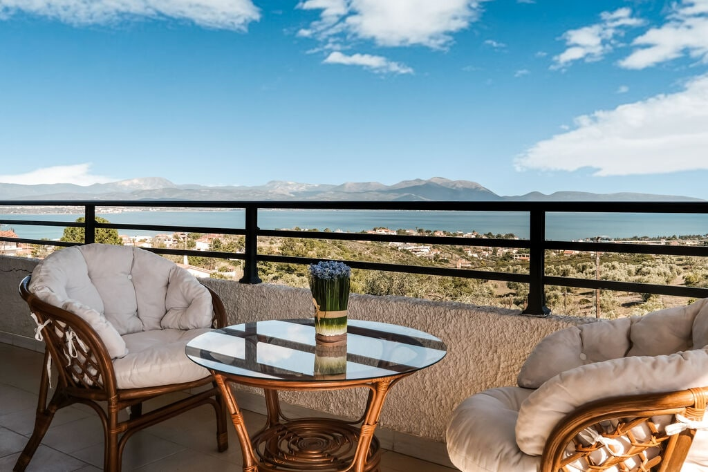 Beautiful Vacation Homes Near Evoikos Sea