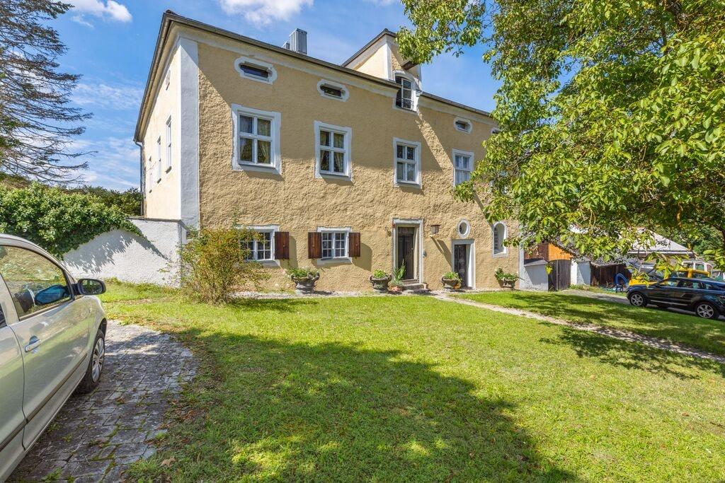 Gezellig appartement in Riedenburg met een tuin - Boerderijvakanties.nl