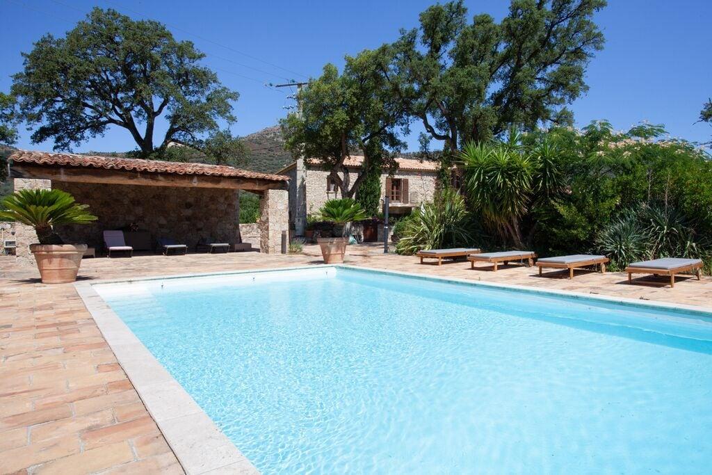 Luxe vakantiehuis in Felicito met een zwembad - Boerderijvakanties.nl
