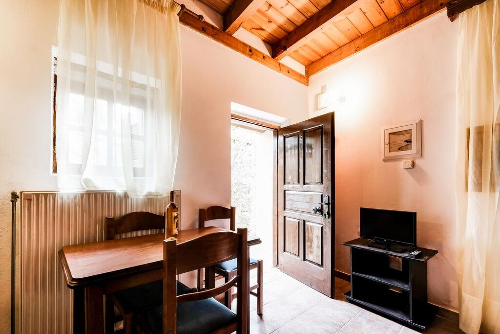Aangenaam appartement in Askos met balkon - Boerderijvakanties.nl