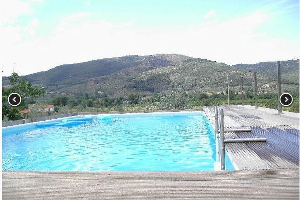 Ruime vakantievilla in Castiglion Fiorentino met zwembad op een wijngoed met ook olijfboomgaard - Boerderijvakanties.nl