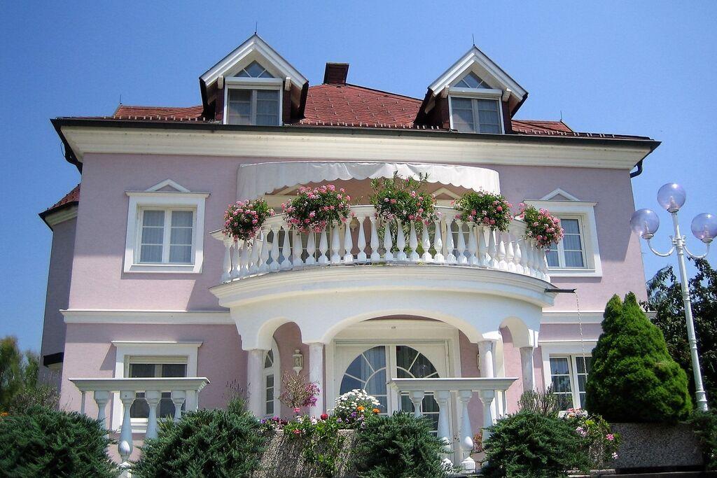 Villa Rose Apartment 7