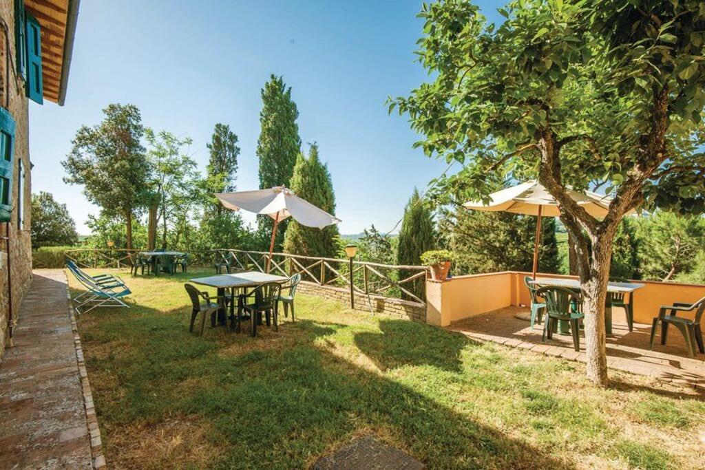 Karakteristiek appartement in San Gimignano met een zwembad - Boerderijvakanties.nl