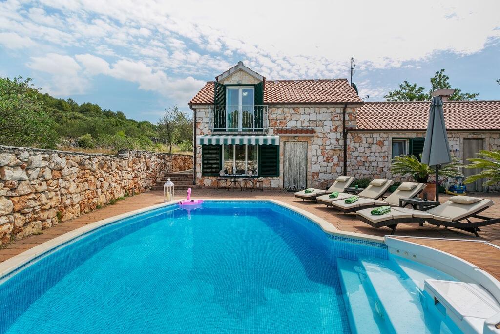 Authentieke villa in Marina met een privézwembad - Boerderijvakanties.nl