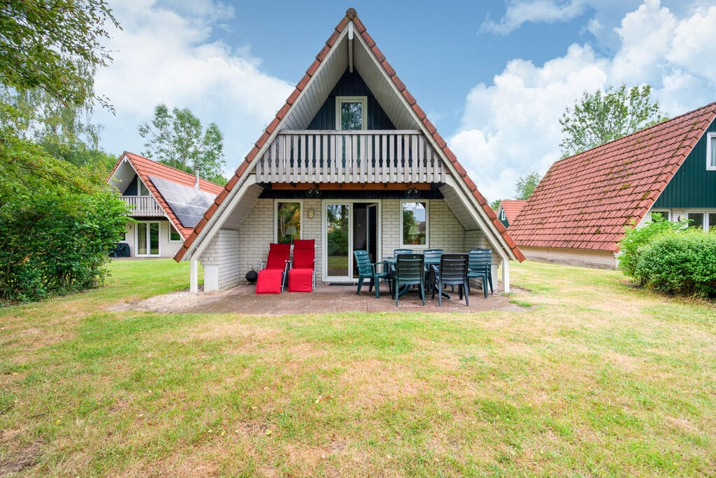 Leuk vakantiehuis in Gramsbergen voor jong en oud met binnen- en buitenzwembad - Boerderijvakanties.nl