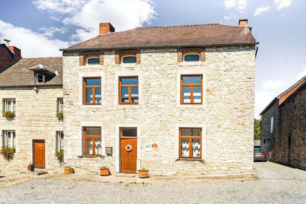 Comfortabel vakantiehuis in Matagne-La-Petite met een tuin - Boerderijvakanties.nl