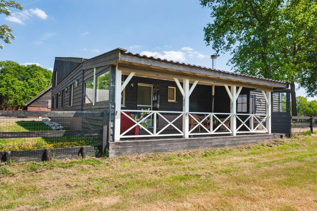 Landelijk vakantiehuis in Nieuwleusen met een gigantische tuin - Boerderijvakanties.nl