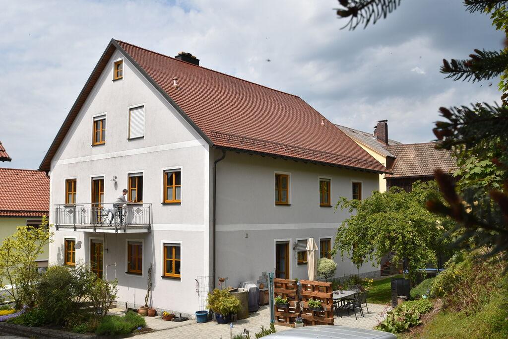Authentiek appartement in Tännesberg met een balkon - Boerderijvakanties.nl
