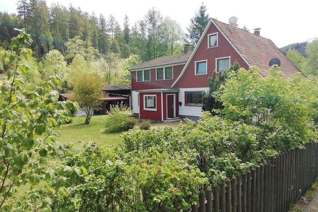 Mooie 2-onder-1-kap woning in de Harz met houtkachel, tuin en directe toegang tot de rivier - Boerderijvakanties.nl