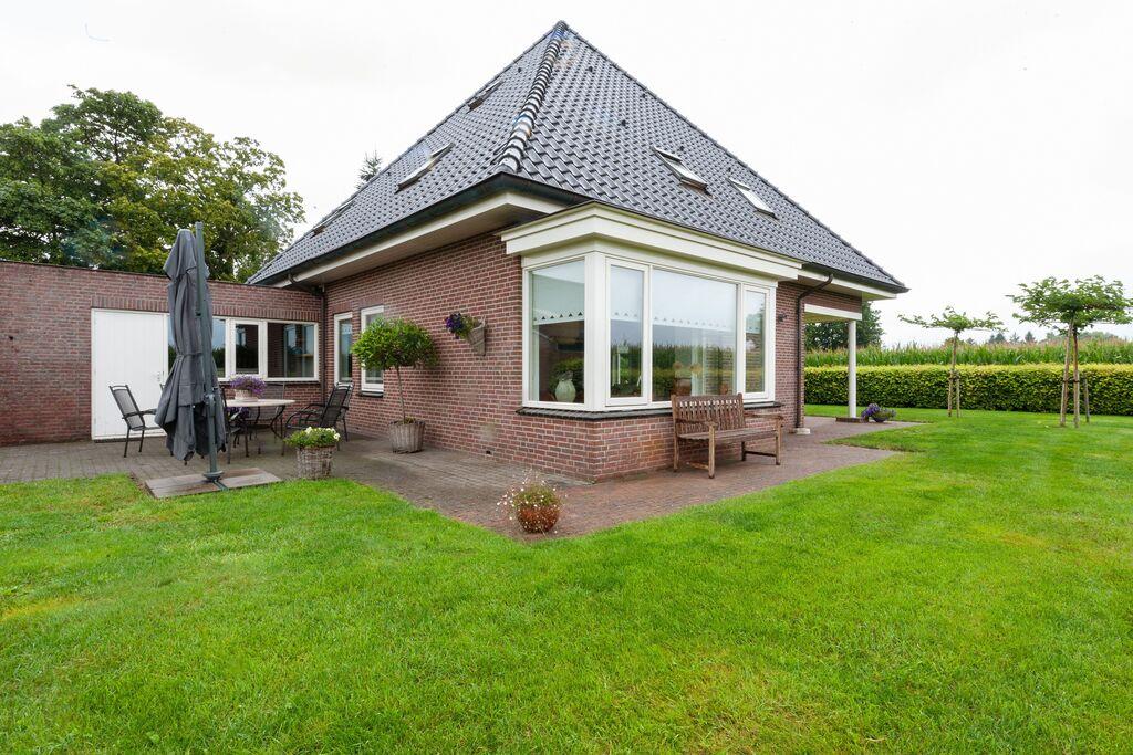 Prachtig vakantiehuis in Balkbrug met een tuin - Boerderijvakanties.nl