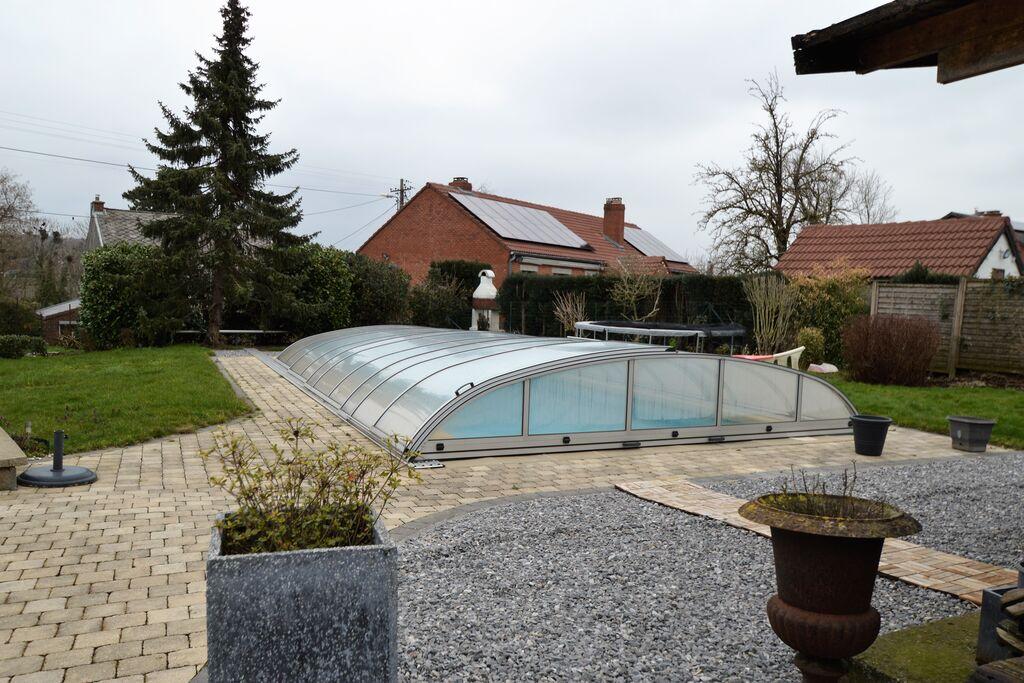 Comfortabel en rustig appartement in Thy-le-Château: zwembad, terras en tuin - Boerderijvakanties.nl