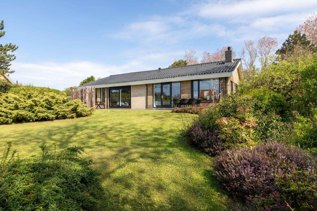 Modern vakantiehuis in Julianadorp met tuin en terras - Boerderijvakanties.nl