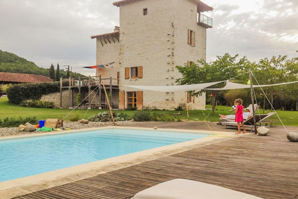 Gezellig vakantiehuis in Penne-d'Agenais met een privézwembad - Boerderijvakanties.nl