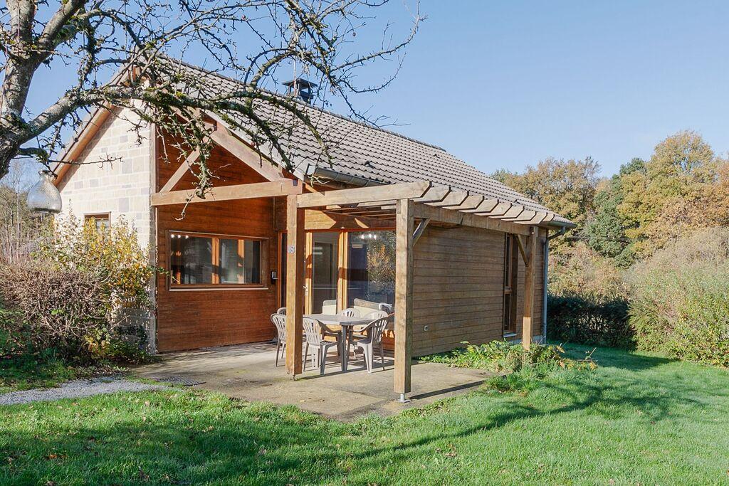 Gezellige vakantiewoning in Signy-le-Petit met terras - Boerderijvakanties.nl
