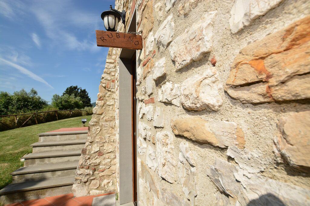 Mooi vakantiehuis in Rignano Sull'Arno-FI met privézwembad - Boerderijvakanties.nl