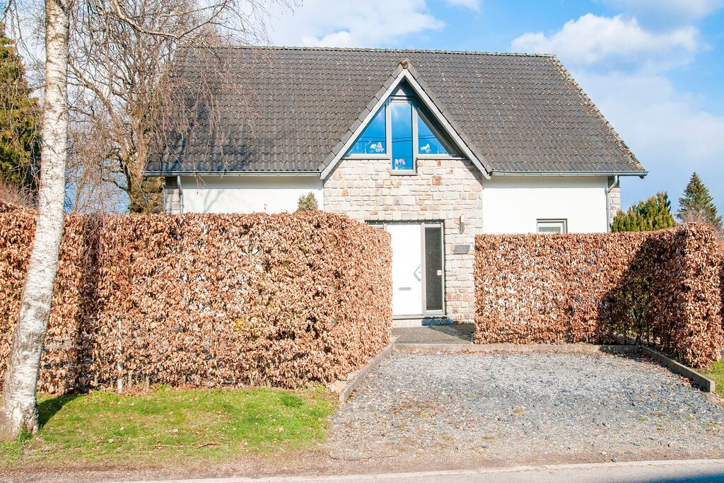 Luxe vakantiehuis met sauna en jacuzzi aan de rand van de Hoge Venen - Boerderijvakanties.nl