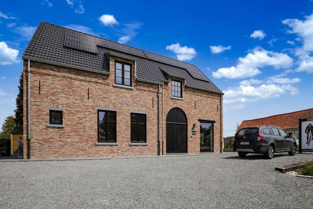 Mooie woning met terras en tuin in Ronse ideaal voor wielerliefhebbers - Boerderijvakanties.nl
