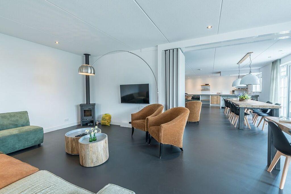 Grote woning in Den Burg met een gedeeld zwembad - Boerderijvakanties.nl