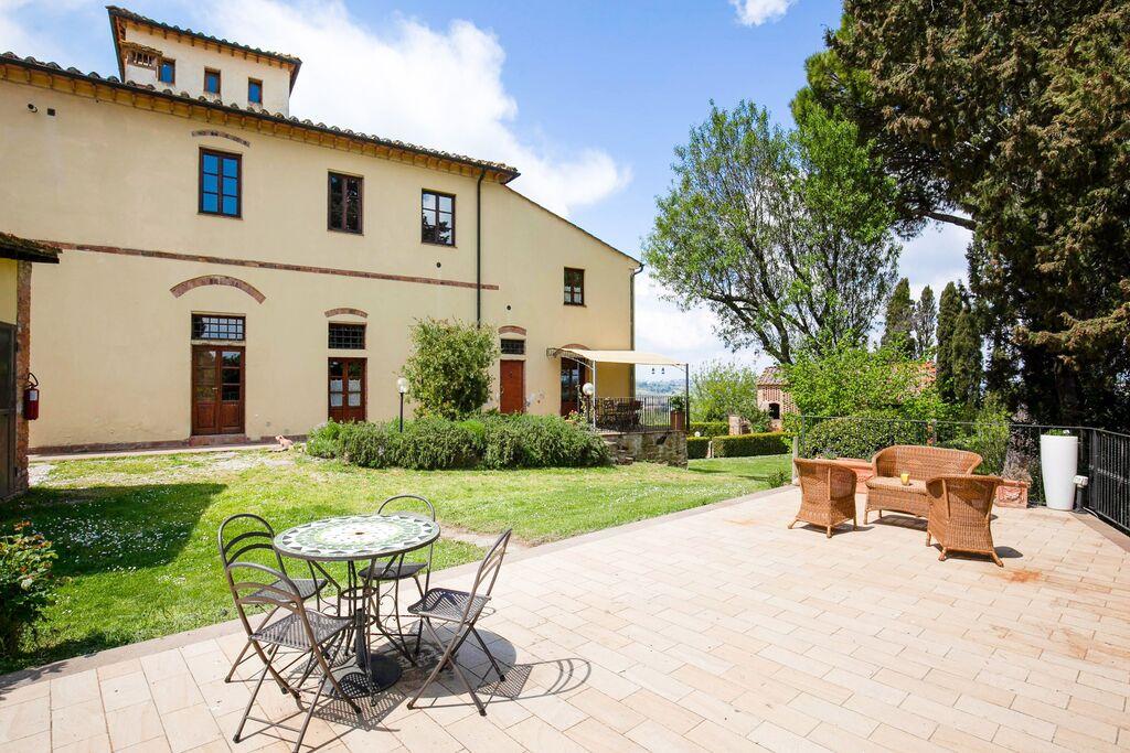 Gezellig appartement in Peccioli met een heerlijke tuin - Boerderijvakanties.nl