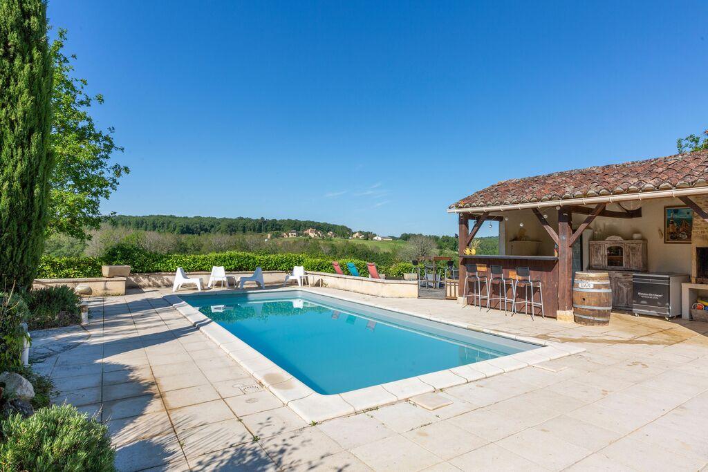 Sfeervol vakantiehuis in Dégagnac met verwarmd zwembad - Boerderijvakanties.nl