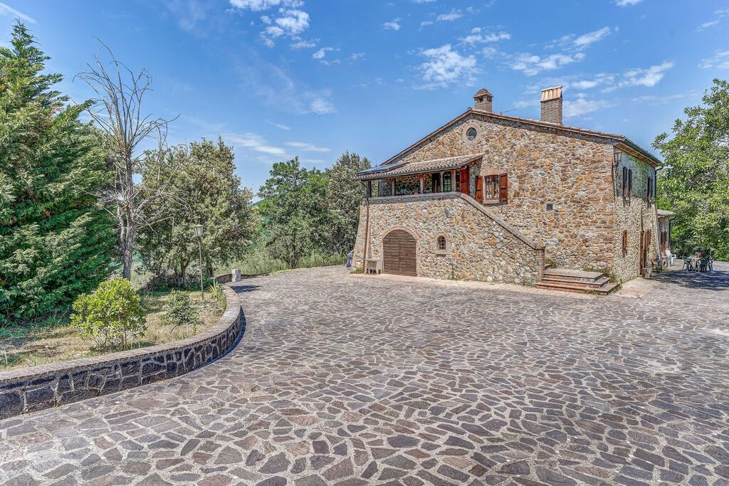 Karakteristiek vakantiehuis in Castel Viscardo met terras - Boerderijvakanties.nl