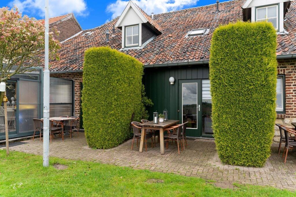 Mooie vakantiewoning in Ubachsberg met een terras - Boerderijvakanties.nl