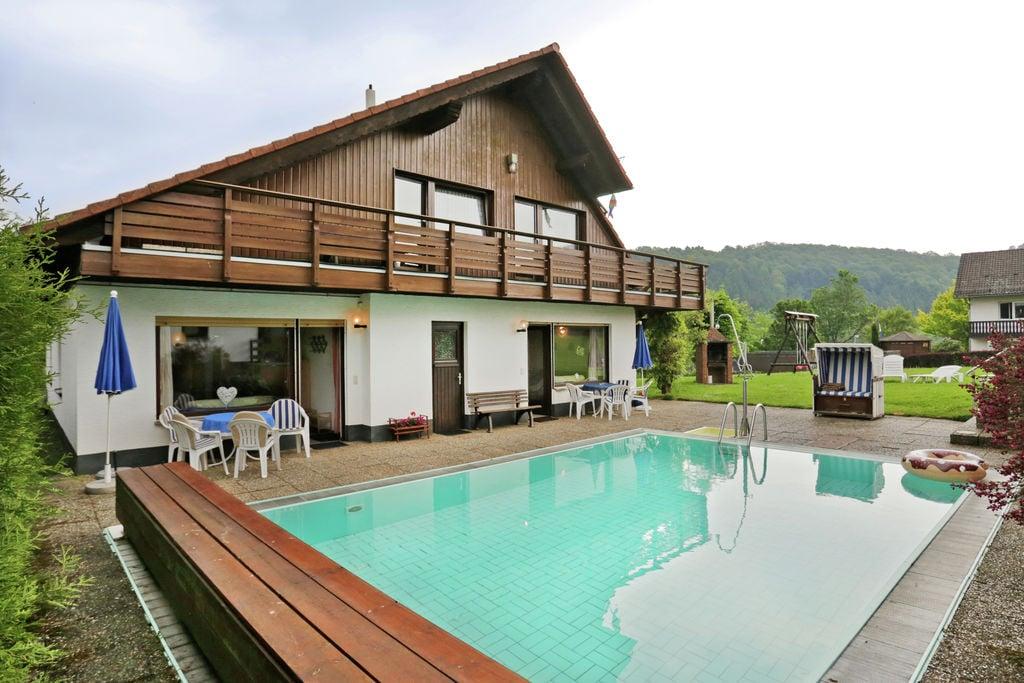 Appartement met zwembad in de tuin vlak bij Bad Wildungen - Boerderijvakanties.nl