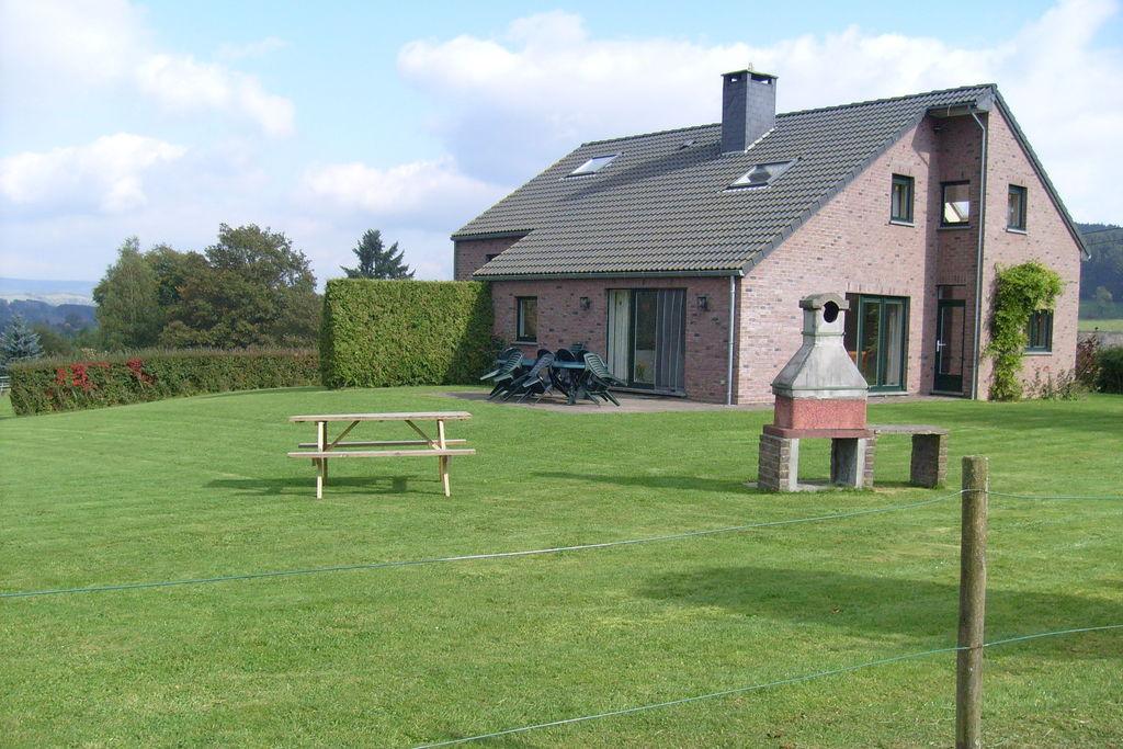 Ruim vakantiehuis rustig gelegen in de buurt van het bos met een prachtig uitzicht. - Boerderijvakanties.nl
