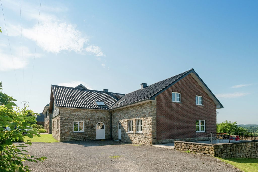 Ruime villa in Malmedy nabij het bos - Boerderijvakanties.nl