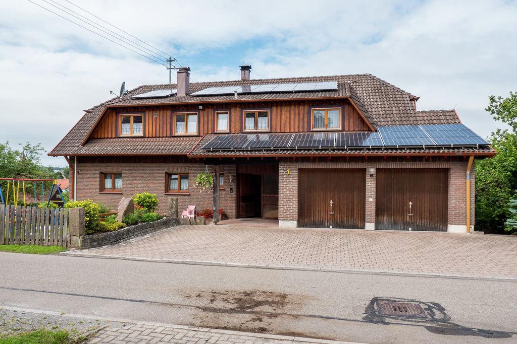Ruim appartement in het Zwarte Woud op een rustige locatie met eigen balkon - Boerderijvakanties.nl
