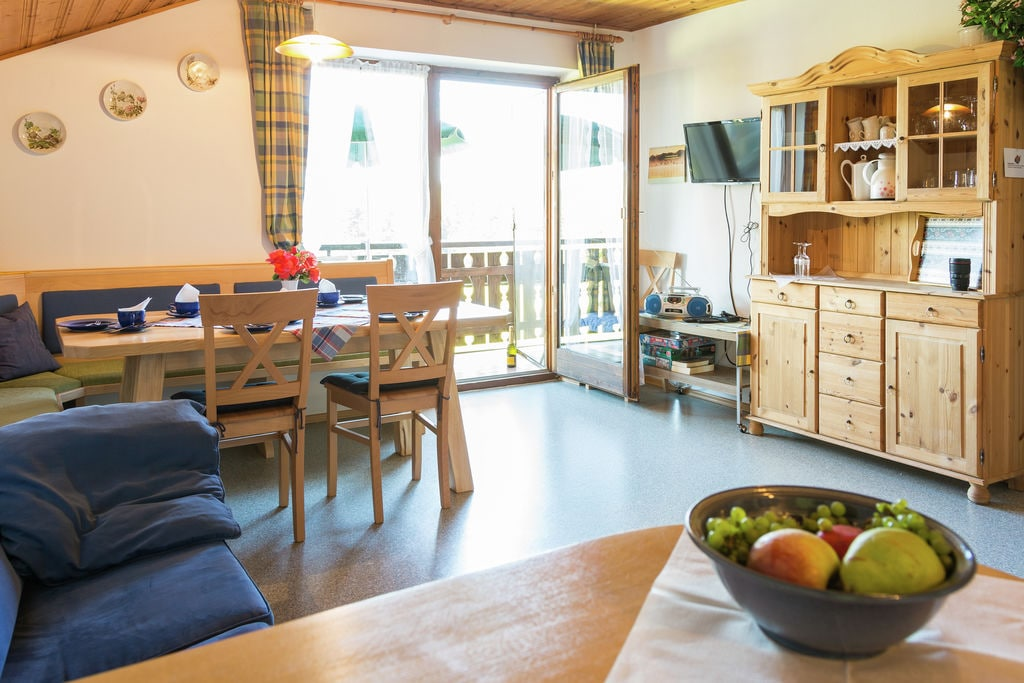 Rustig appartement bij Zugspitze met groot balkon - Boerderijvakanties.nl