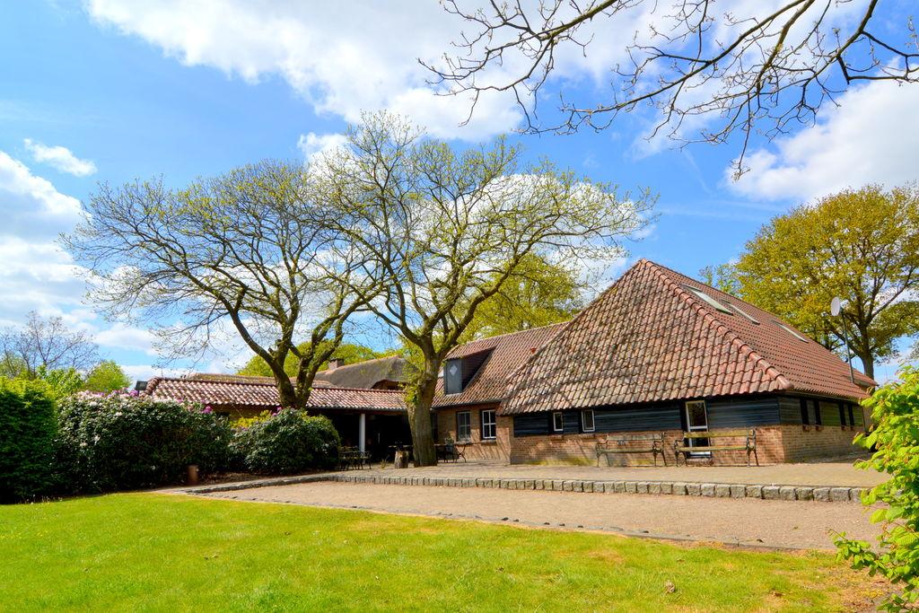 Schitterend landhuis in Asten aan het meer - Boerderijvakanties.nl