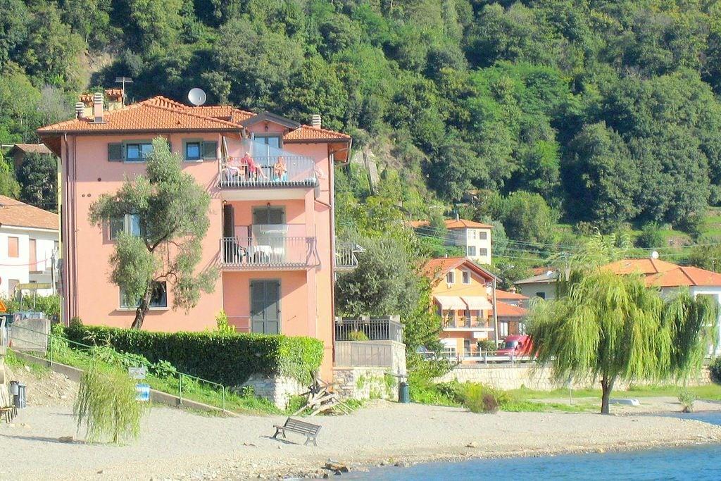 Appartement huren in Italiaanse Meren -     voor 4 personen  Casa Garibaldi ligt direct aan het..