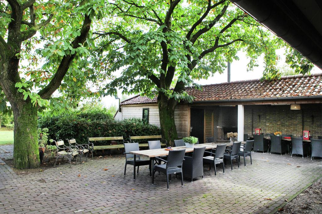 Sfeervol landhuis in Asten gelegen op een golfbaan - Boerderijvakanties.nl