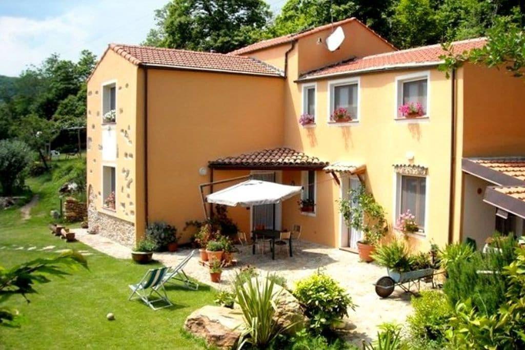 Vezzi-san-Giorgio- Vakantiewoning met zwembad  met wifi te huur