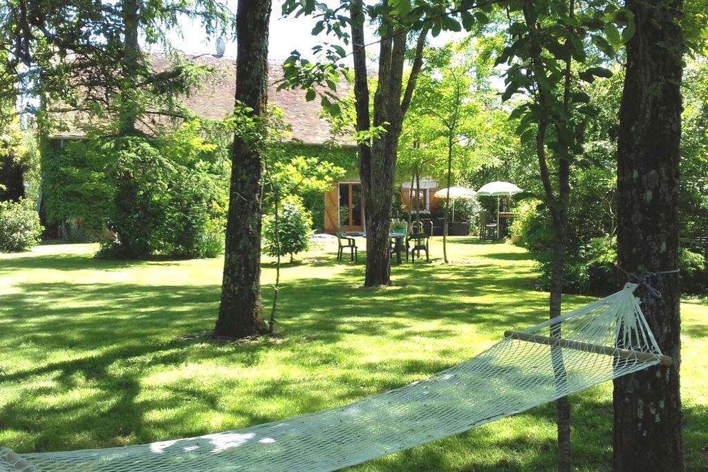 Plattelandshuisje met prachtige tuin aan vijver. Centraal voor leuke dagtochten! - Boerderijvakanties.nl